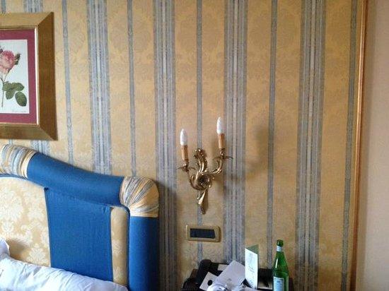 Due Torri Hotel: dettaglio camera