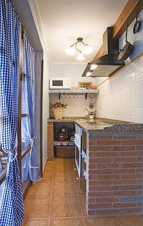 Apartamentos rurales La Canalina: Cocina
