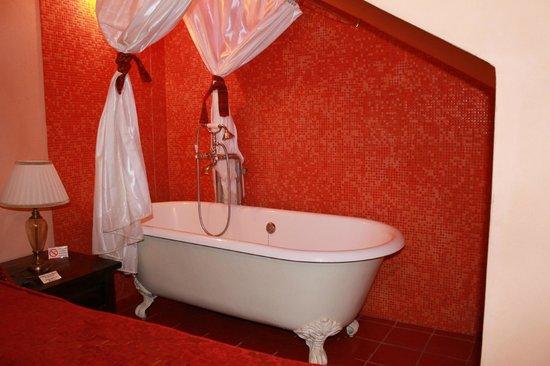 Vasca Da Bagno Vista : Vasca da bagno a vista nella camera da letto foto di grana