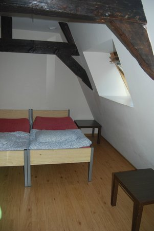 St Christophers Bauhaus : That was our room: very clean and nicely equipped :)