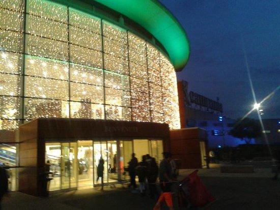 Entrata picture of centro commerciale campania for Centro commerciale campania negozi arredamento