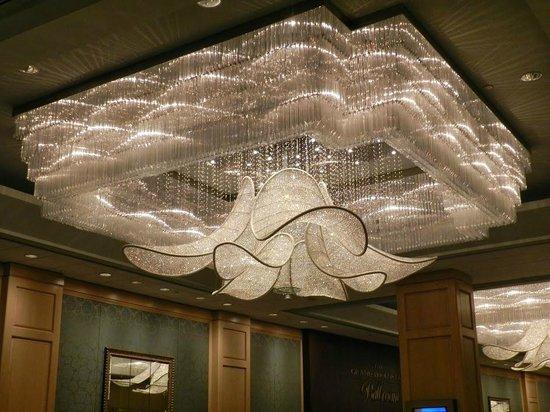 The Phoenician, Scottsdale : Chandelier at Ballroom