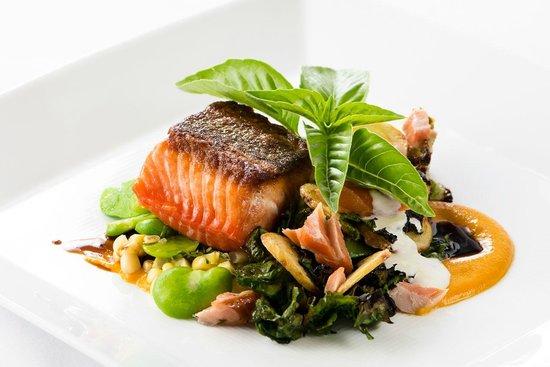 Applewood Inn : Salmon