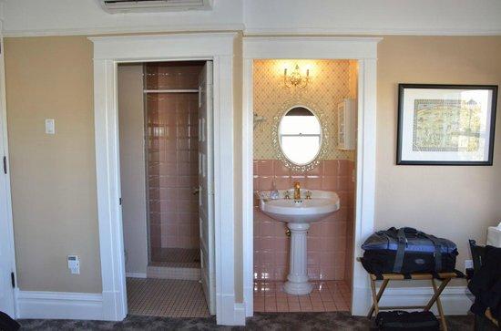 Bottger Mansion of Old Town: Bottger Mansion - En Suite Bath