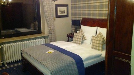 Windsor Hotel: Room 20 (2nd floor)