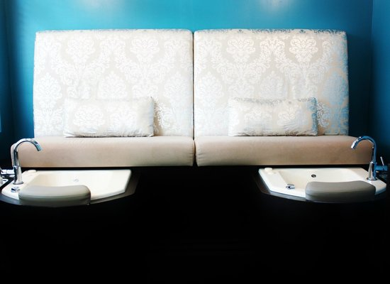 Flow Spa: Our Massage Benches