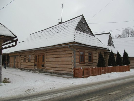 Prime Tours Krakow - Tours and Transfers: Wooden House in Chocholow