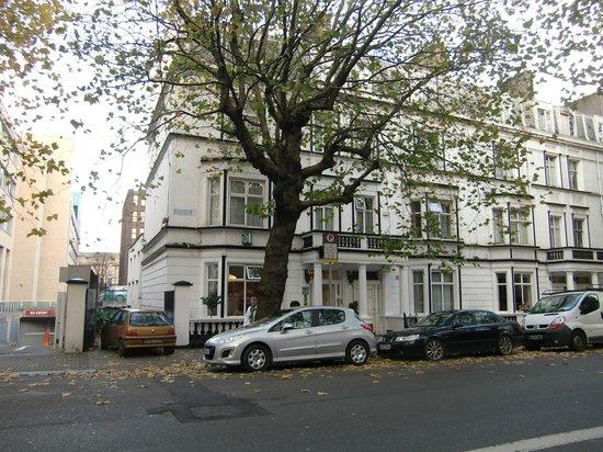 Kilronan House: Exterior