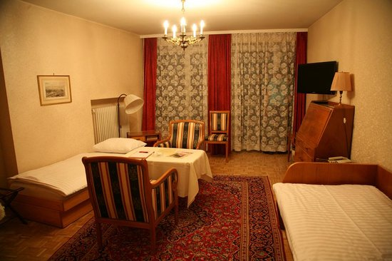 Pension Sacher: One room apartement