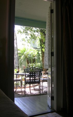 Chimes Bed and Breakfast: Room #3, view to the courtyard