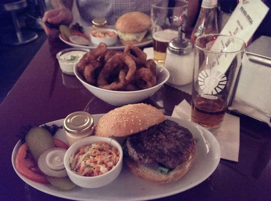 Helvti Diner : Swiss Prime Quarter Pounder and onion rings