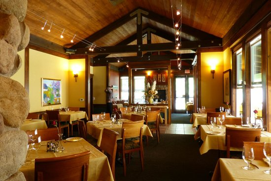 The interior of the restaurant at Applewood Inn