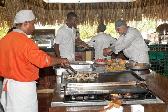 Gente de Mar Resort : open kitchen really nice and clean