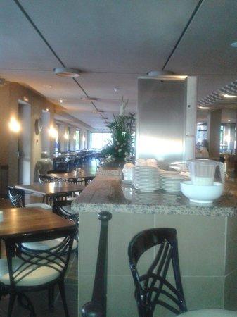 Hotel Riu Tikida Garden: Poolside Restaurant
