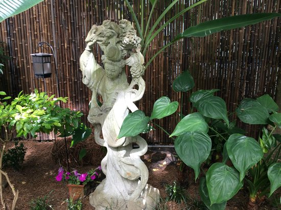 Chimes Bed and Breakfast : Quan Yin, Goddess of Mercy