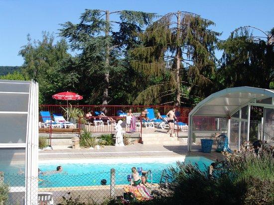 Snack bar Le Parc : La piscine du camping