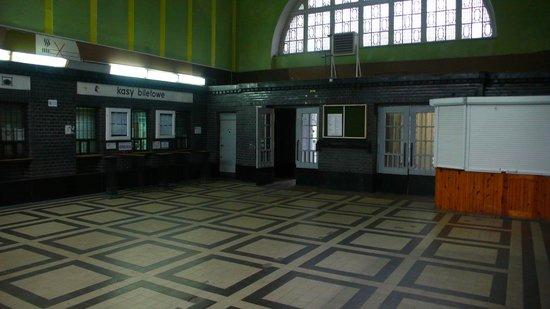 Stalag Luft III Prisoner Camp Museum: Zagan Station waiting hall - where Williams wathced in trepidation as Codner bought the tickets