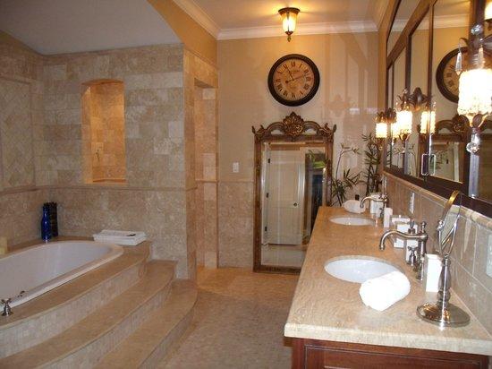 Villa D'Citta: Luxury!