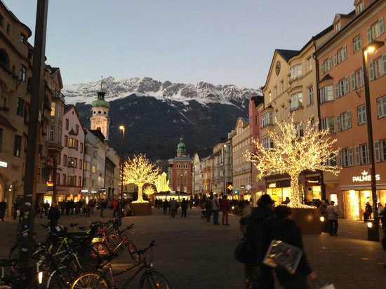 Grand Hotel Europa: View of mountains from main square