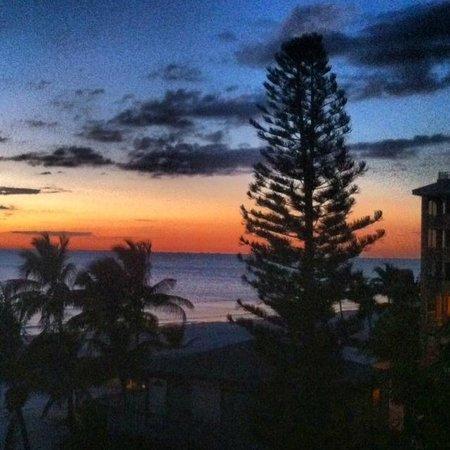 Sandpiper Gulf Resort: Beach sunset