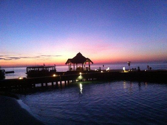Ellaidhoo Maldives by Cinnamon: Sun up