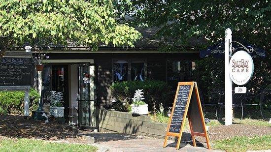 Salt Bay Cafe: Exterior