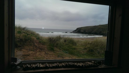 Mullion Cove Lodge Park: View from Poldhu beach cafe