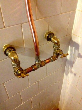 Patagonia Rebelde: Amazing plumbing fixtures!