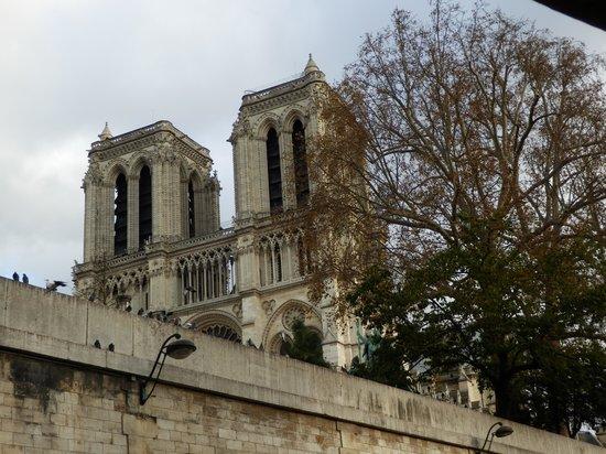 Vedettes de Paris: View from boat
