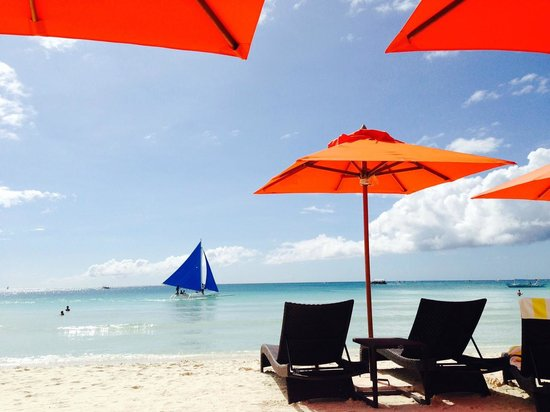 The District Boracay: Chillin' on the beach