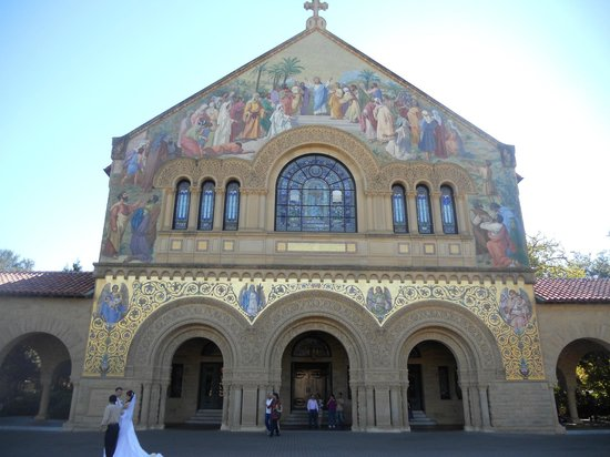 Stanford University : Memorial Church: exterior view with bride and groom