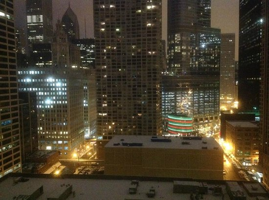 Homewood Suites by Hilton Chicago-Downtown: View from room at night
