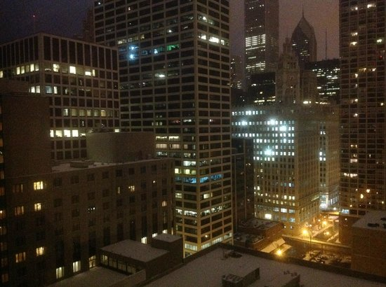 Homewood Suites by Hilton Chicago-Downtown: Night view