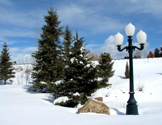 Ashley Inn : Our gardens are even picture worthy in winter!