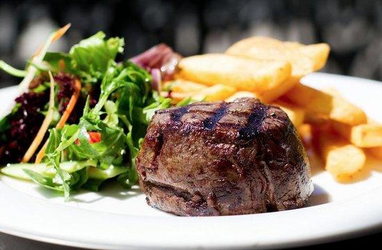 Royal Hotel at Randwick: Royal Hotel Bistro steak
