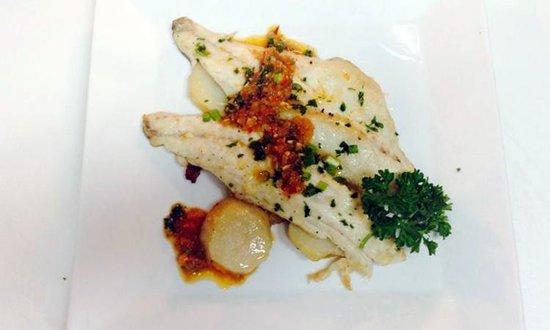 La Gamba Restaurant : LUBINA ENTERA A LA ANTIGUA (Whole Branzino oven cooked potatoes bed, white wine)