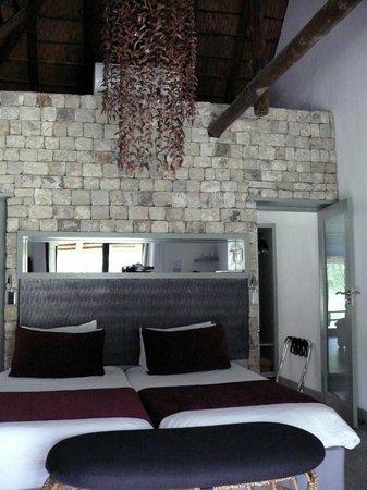 Mokuti Etosha Lodge: La chambre