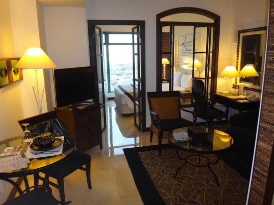 فيفر هوتل: Room interior