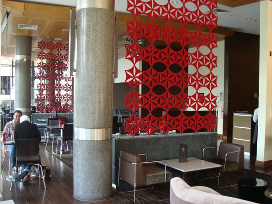 Novotel Hamilton Tainui: Lobby cafe