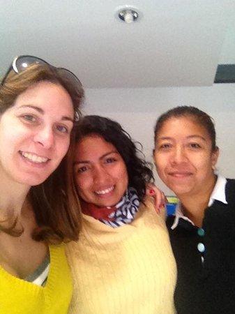 La Leyenda Youth Hostel: With the staff