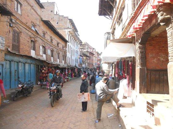 Cosy Hotel: bhaktapur streets