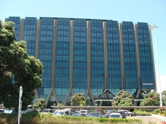 Novotel Auckland Airport: Hotel front