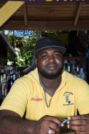 Thirsty Turtle Bar and Grill: our bartender Zebby Ebanks