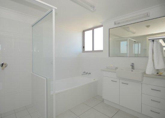Riviera Resort: Bathroom in a 3 bedroom apartment