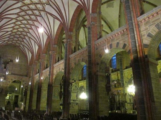 Dom St. Petri: Vista del interior