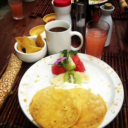 Changes In Latitudes Bed and Breakfast : Breakfast