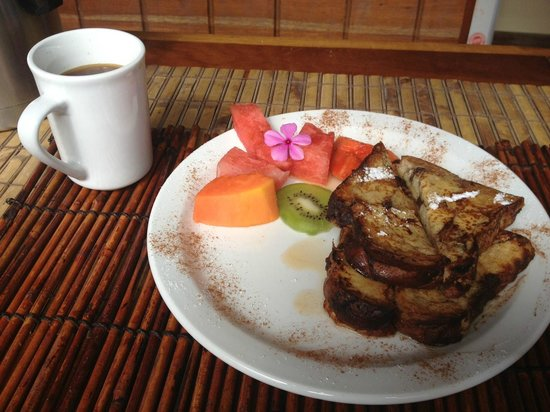 Changes In Latitudes Bed and Breakfast : Fresh Toast for Breakfast
