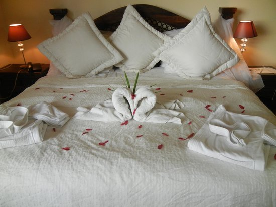 Issimo Suites Boutique Hotel and Spa: They always make your room special each time