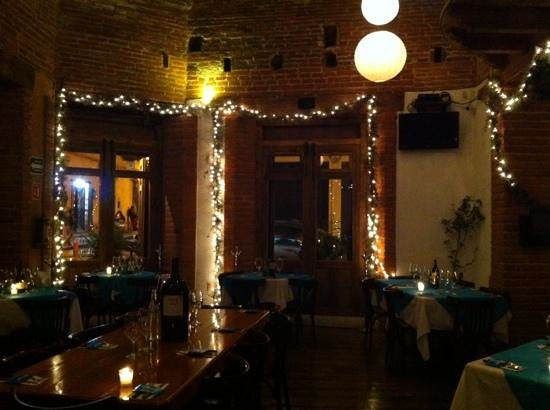 El Argentino: Salon principal iluminacion navideña