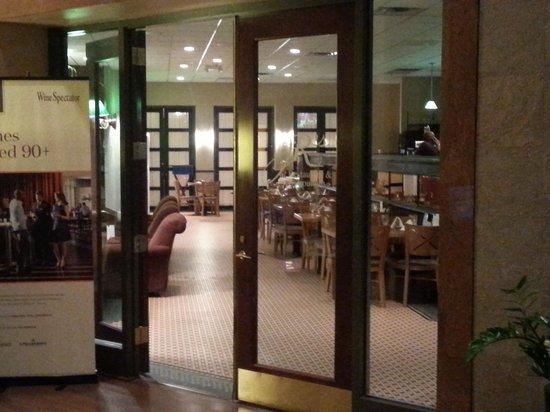 Sheraton Eatontown Hotel: JR's